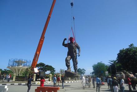Statue-1-440x297